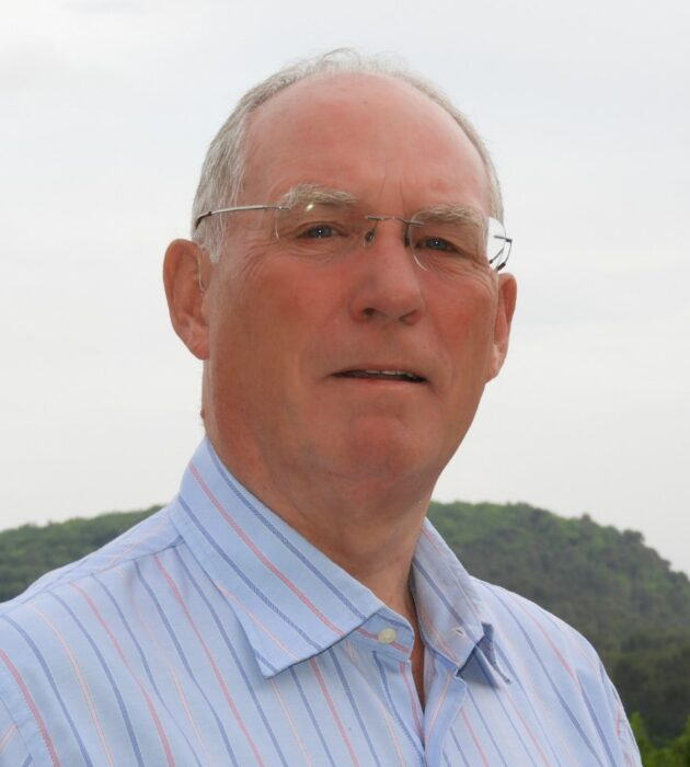 Photo portrait of John Ellis
